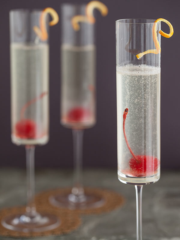 french 75 an elegant cocktail french 75 the champagne topped french 75 ...