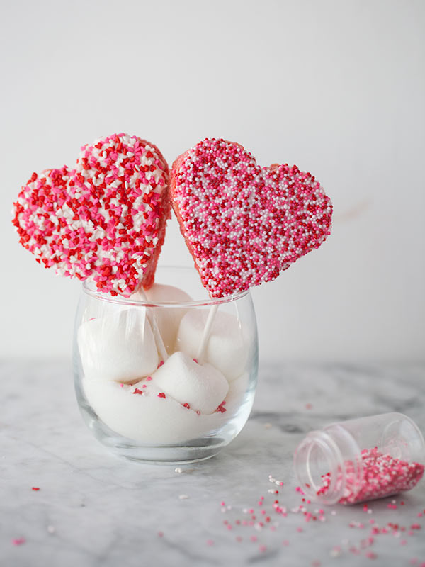 Rice Krispie Valentine Sucker Treats