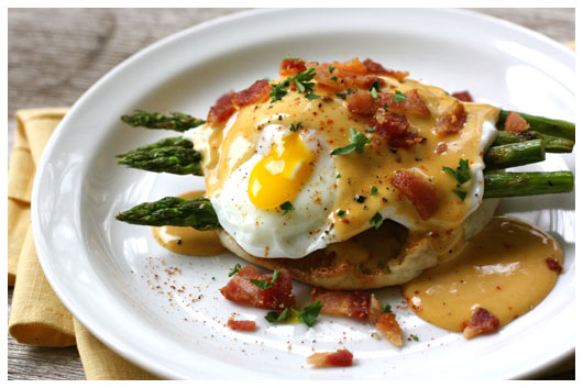 530_IMG_8610_2_eggs_benedict_with_bbq_hollandaise