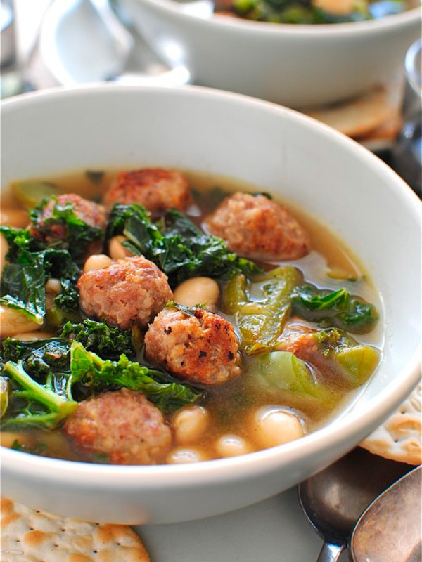 Skinny Slow Cooker Kale and Turkey Meatball Soupfoodiecrush
