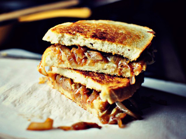 ... French Onion Soup Grilled Cheese Sandwiches are totally legit