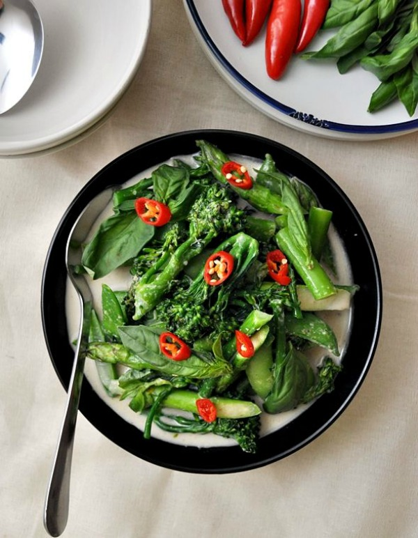 Thai Green Curry with Sugar Snaps, Asparagus & Broccolini II Fuss Free Cooking