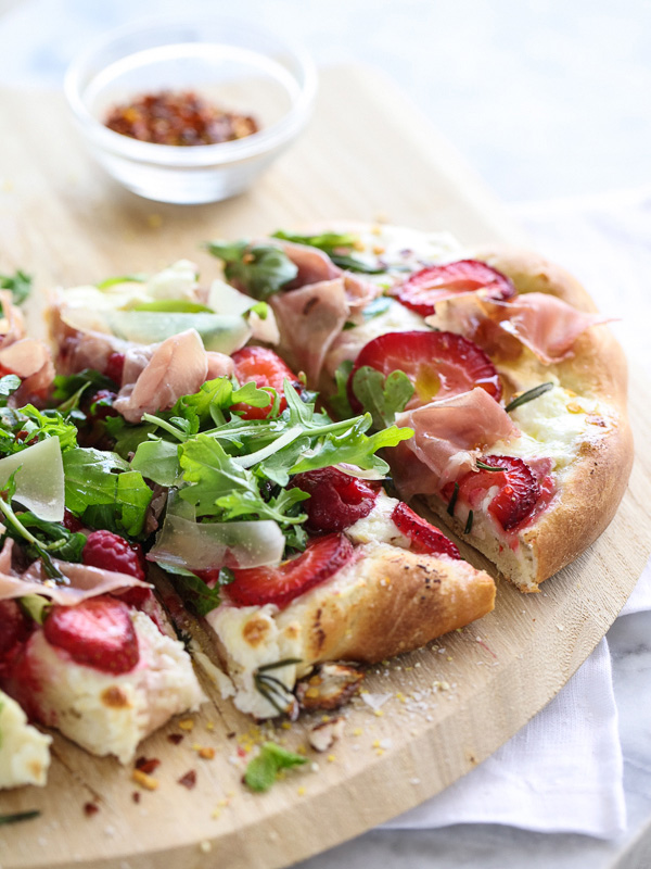 Berry Arugula and Prosciutto Pizza | foodiecrush.com