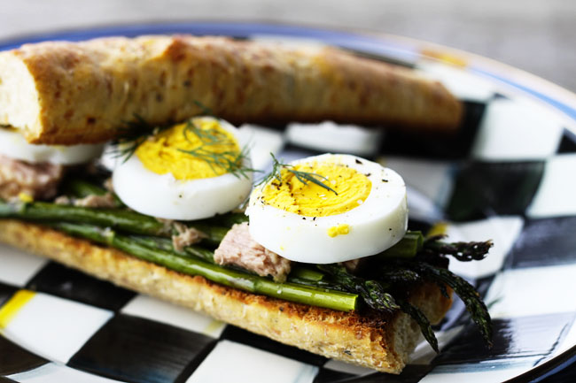 Roasted-Asparagus-Tuna-and-Egg-Sandwich