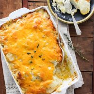 Cheesy Scalloped Potatoes | foodiecrush.com