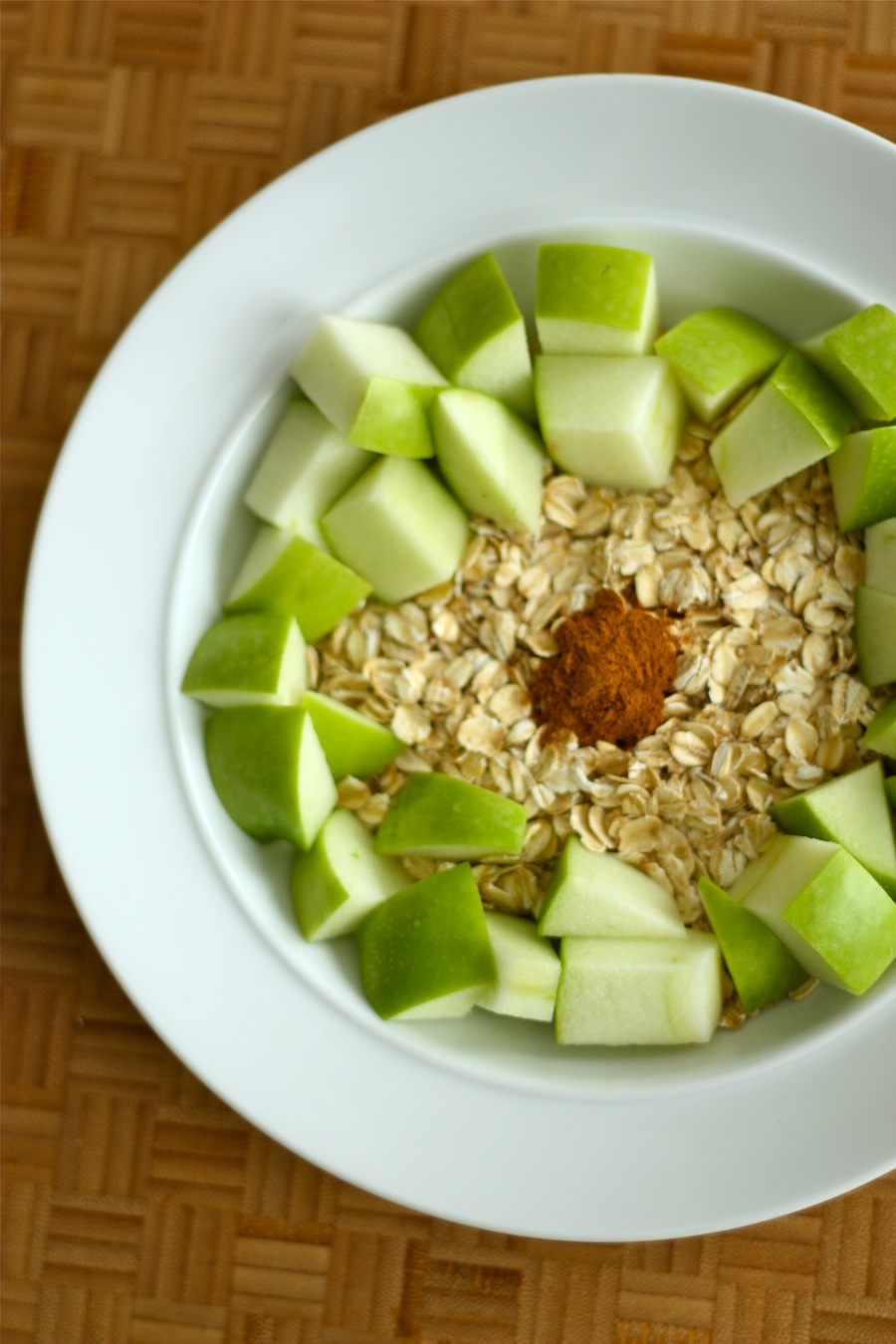 Easy Microwave Apple Cinnamon Oatmeal Recipe _ Project Domestication