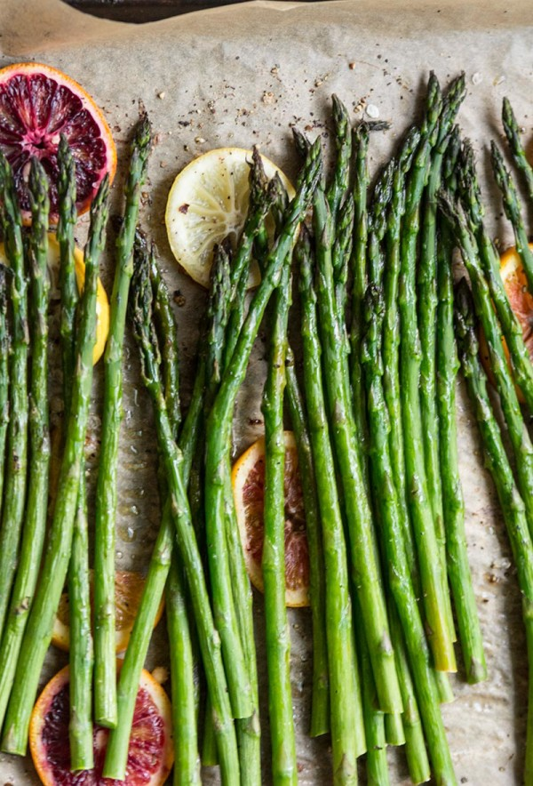 OVEN ROASTED ASPARAGUS WITH BLOOD ORANGE VINAIGRETTE from thetomatotart.com | foodiecrush.com