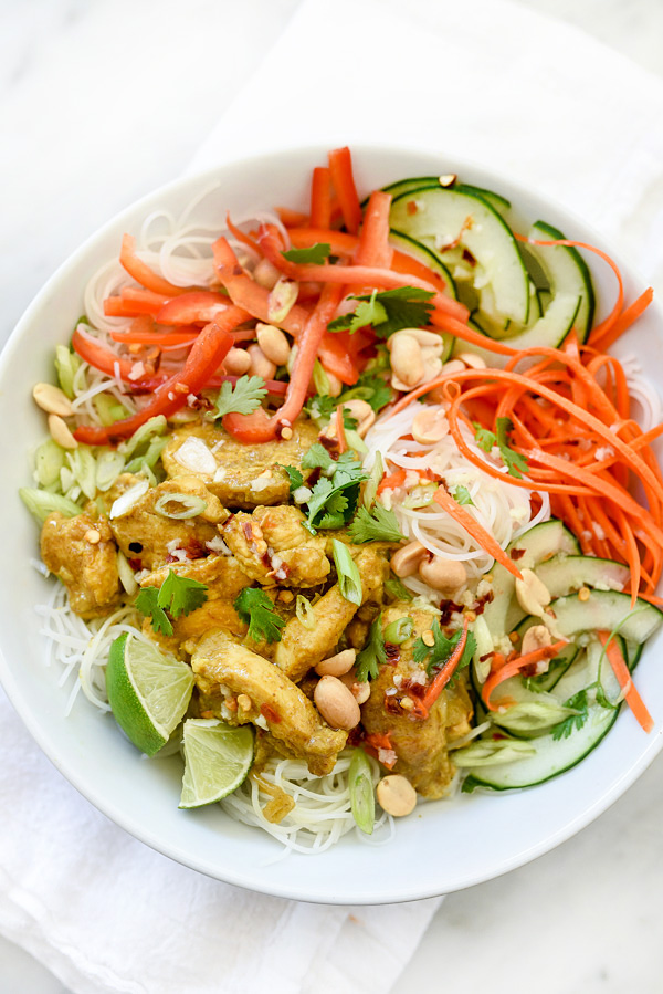 Vietnamese Curry Chicken and Rice Noodle Salad Bowl ...