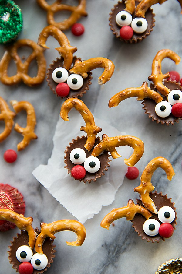 5-Ingredient Mini Reindeer Treats from Chelsea's Messy Apron on foodiecrush.com