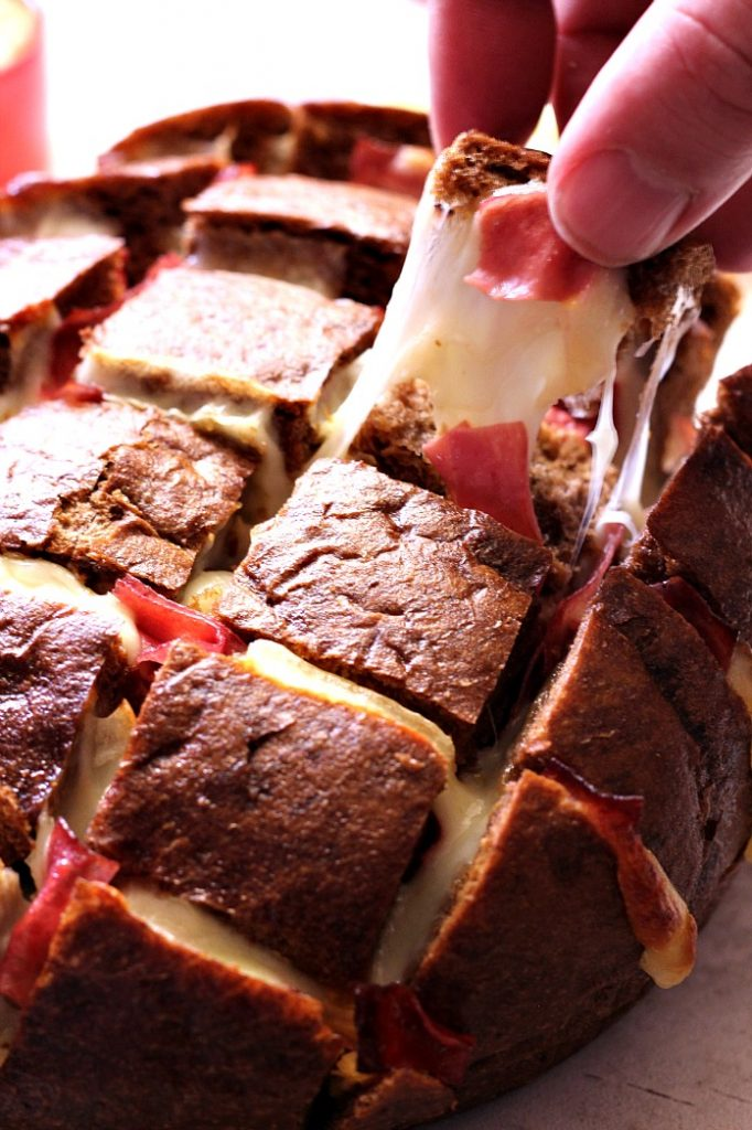 Easy Cheesy Reuben Pull Apart Bread Recipe from Crunchy Creamy Sweet ...
