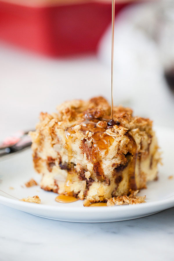 Banana-and-Chocolate-Chip-Baked-French-Toast-with-Oatmeal-Crumble-foodiecrush.com-1