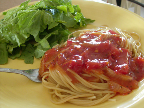 Fresh Tomato Pasta Sauce from 365 Days of Slow Cooking on foodiecrush.com