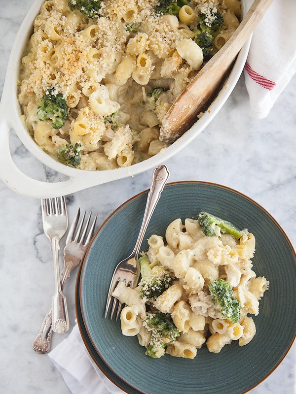Chicken Divan Macaroni & Cheese || FoodieCrush