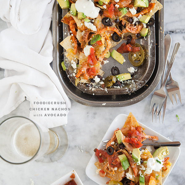 Chicken Nachos with Avocado || FoodieCrush