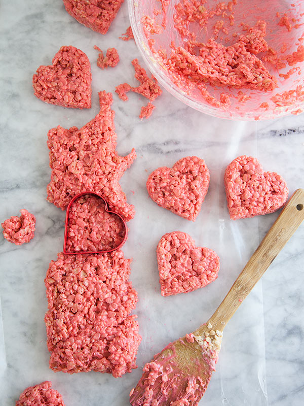 Rice krispie valentine lollipops foodiecrush rice krispie valentine treat foodiecrush ccuart Images