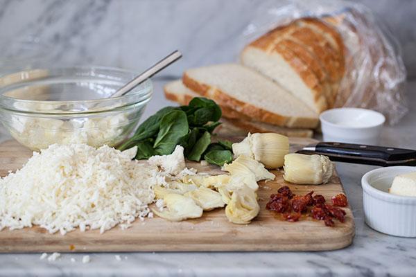 Grillé aux épinards et aux artichauts |  foodiecrush.com