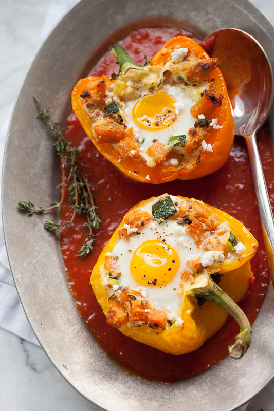 Baked eggs in stuffed peppers plus friday faves foodiecrush baked eggs in stuffed peppers with sweet potato hash forumfinder Images