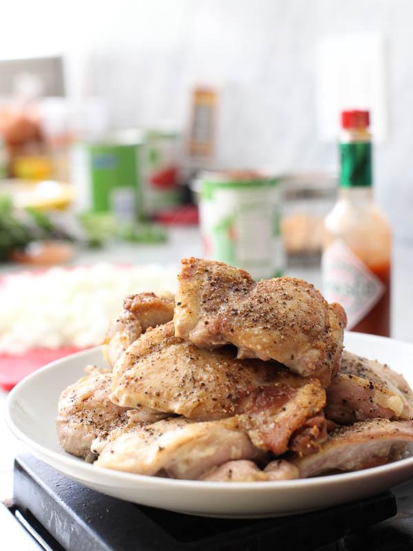 Poulet braisé au tabasco et pois chiches |  foodiecrush.com