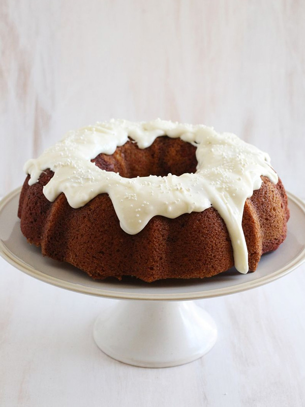 Frosting Drizzle Bundt Cake