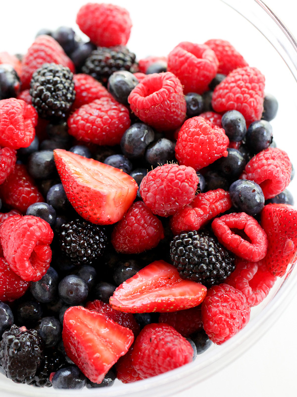 fresh berries in bowl for berry pie