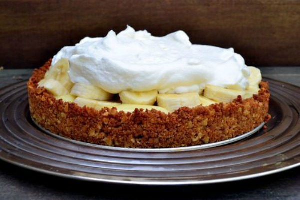 Banana Pudding Cream Pie from Buttermilk Bakes on foodiecrush.com