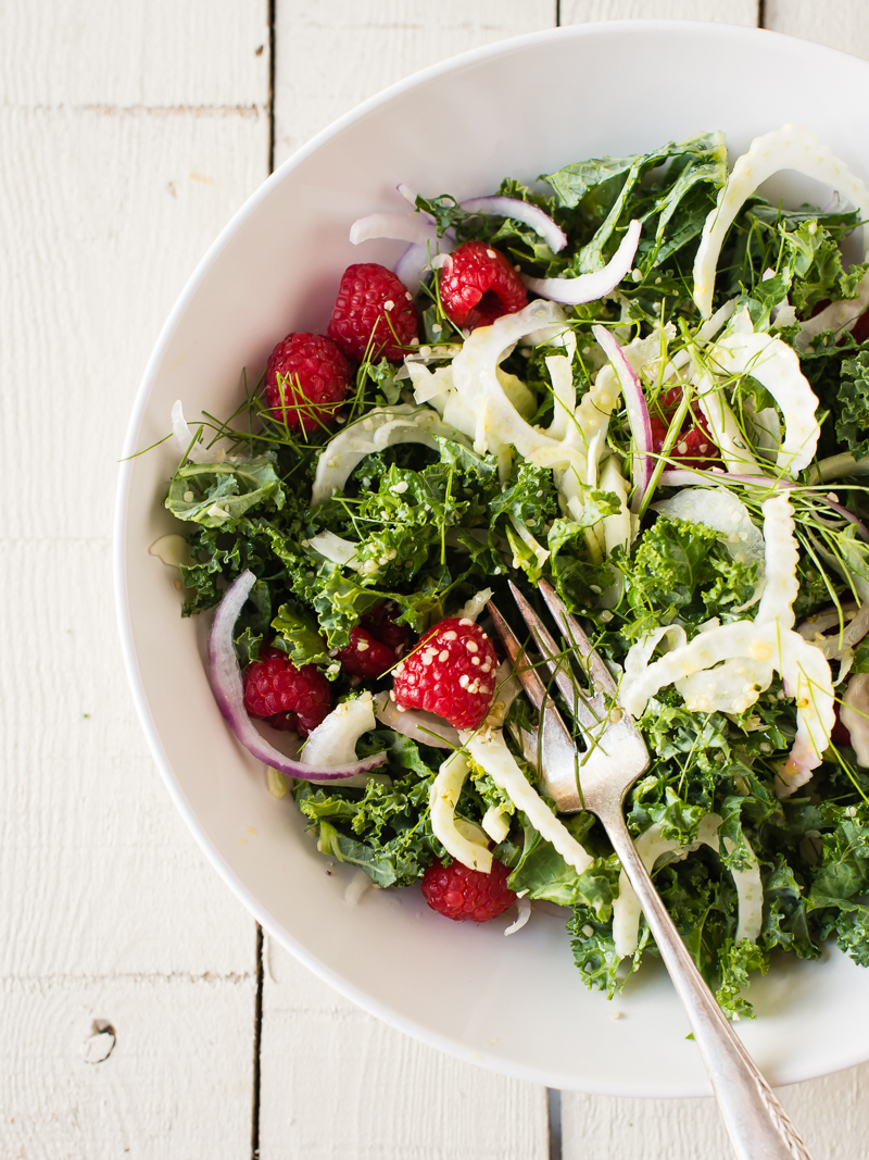 kale berry salad
