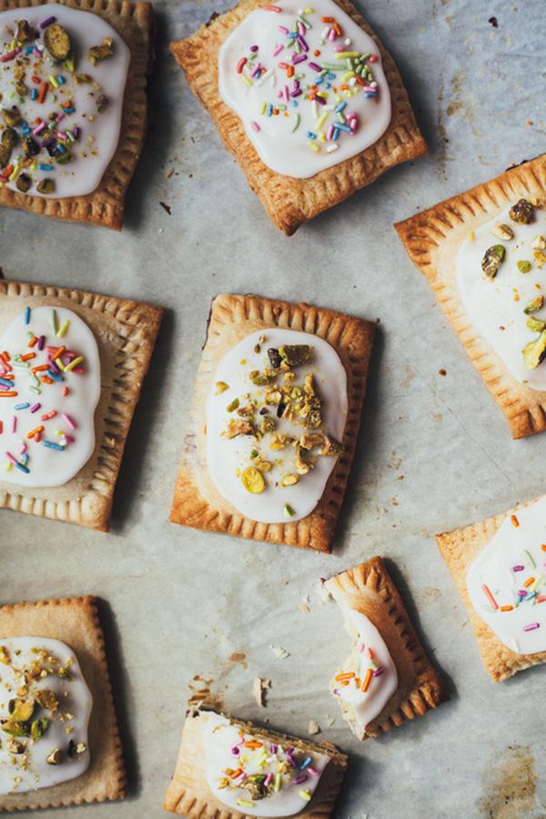 pistachio-bakewell-pop-tarts-5