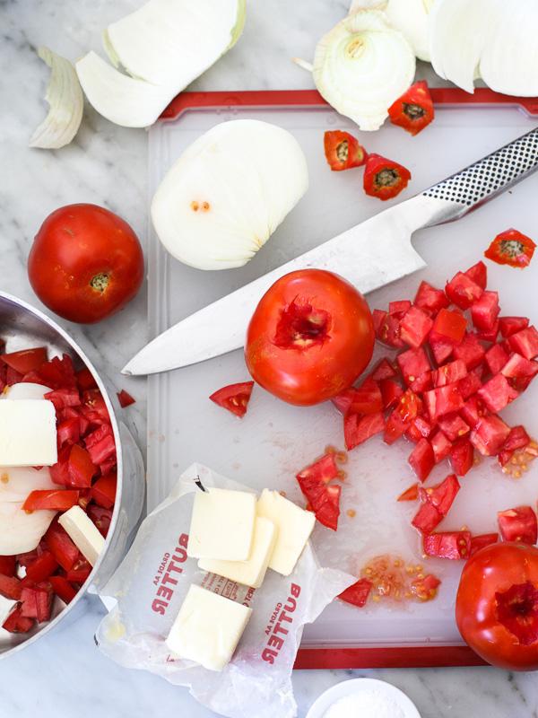 Fresh Tomato Pasta Sauce recipe on foodiecrush.com