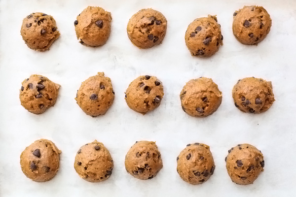 pumpkin chocolate chip cookie dough balls