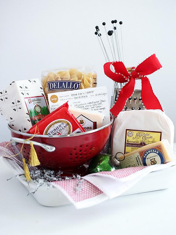 Mac-n-Cheese-Basket-foodiecrush.com-016