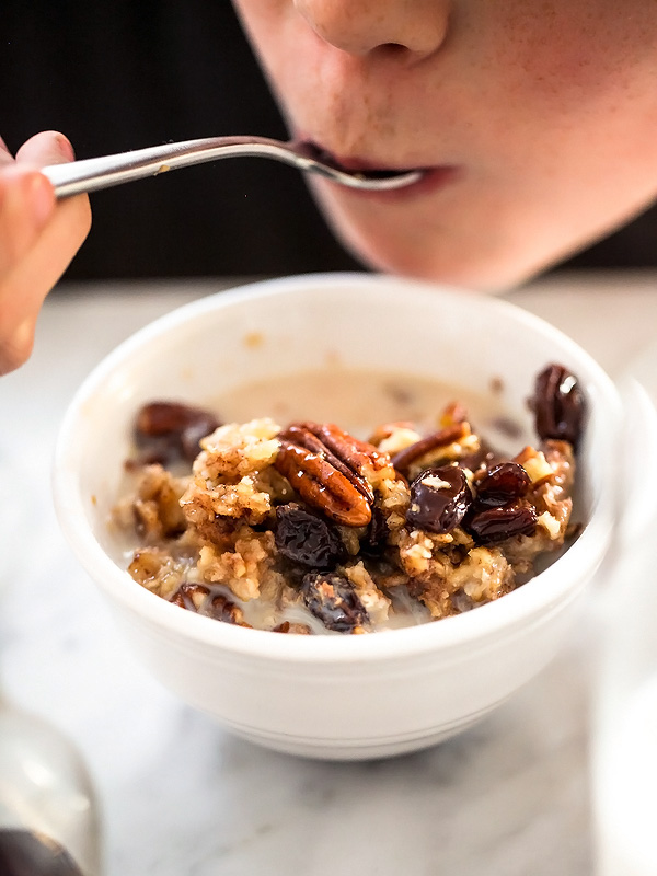Slow Cooker Baked Oatmeal with Bananas and Nuts | foodiecrush.com #crockpot #easyrecipes #brownsugar