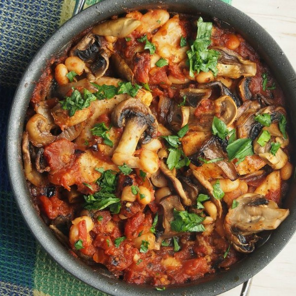 Tuscan Chicken Skillet from shrinkingsingle.com on foodiecrush.com