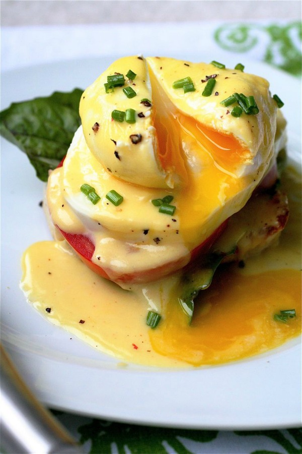 Caprese Eggs Benedict from thecurvycarrot.com on foodiecrush.com