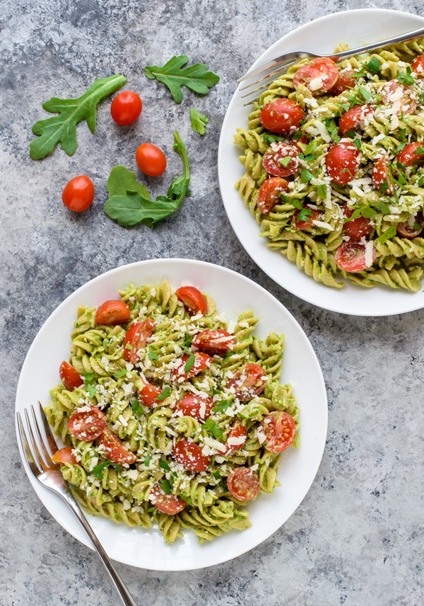 15 Minute Avocado Pesto Pasta