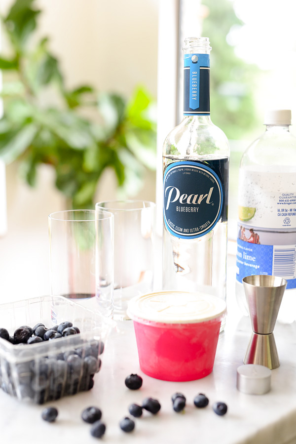 Boozy Blueberry Floats | foodiecrush.com