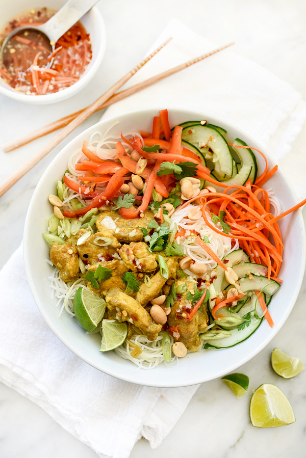 Vietnamese Curry Chicken and Rice Noodle Salad Bowl | foodiecrush.com #withricenoodles #dressing #lunches #recipe #healthy #limejuice