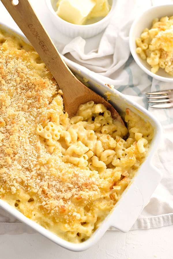 The Best Homemade Mac and Cheese | foodiecrush.com #easy #recipe #stovetop #baked #homemade