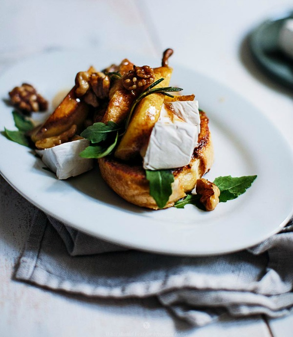 French Toasts with Caramelised Pears with Walnuts, Camembert and Arugula from whatshouldieatforbreakfasttoday.com on foodiecrush.com