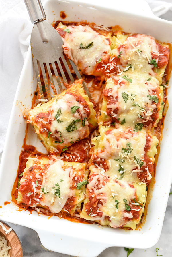 Spinach Lasagna Roll-Ups | foodiecrush.com #easy #spinach #recipe #vegetarian