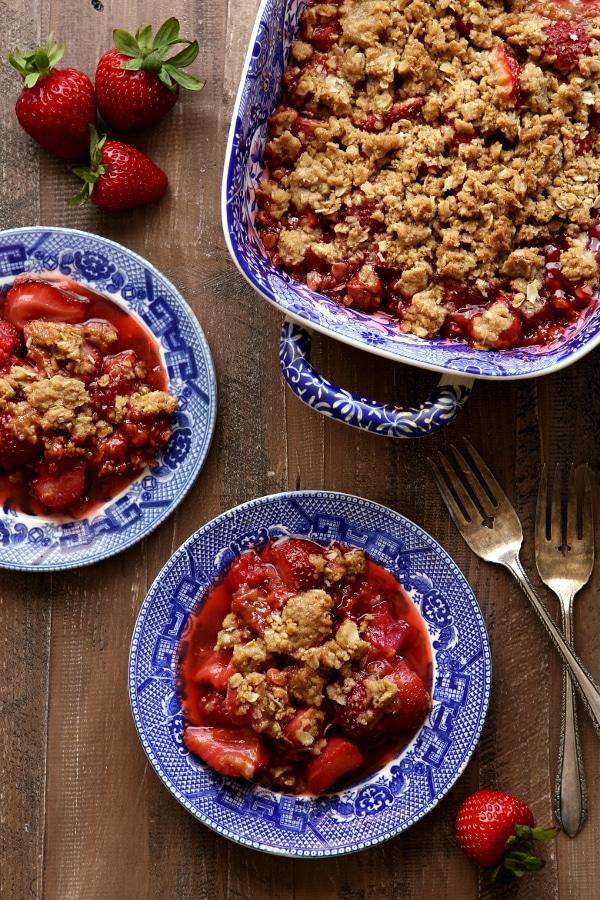 strawberry raspberry rhubarb crisp 5