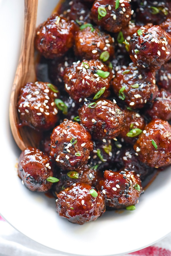Sriracha Crockpot Meatballs | #easy #recipes #appetizers #crockpots foodiecrush.com
