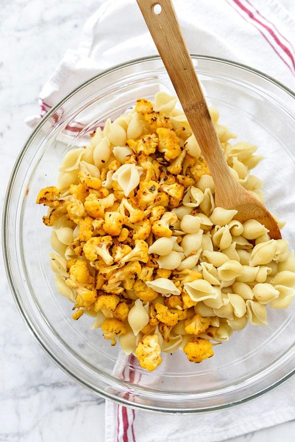 making cauliflower mac and cheese