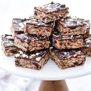 No-Bake Cookie Bars with Chocolate, Cherries and Chia Seeds | foodiecrush.com