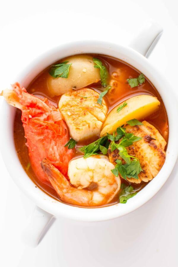 Ragoût de fruits de mer à la mijoteuse de Gourment à la mijoteuse sur foodiecrush.com