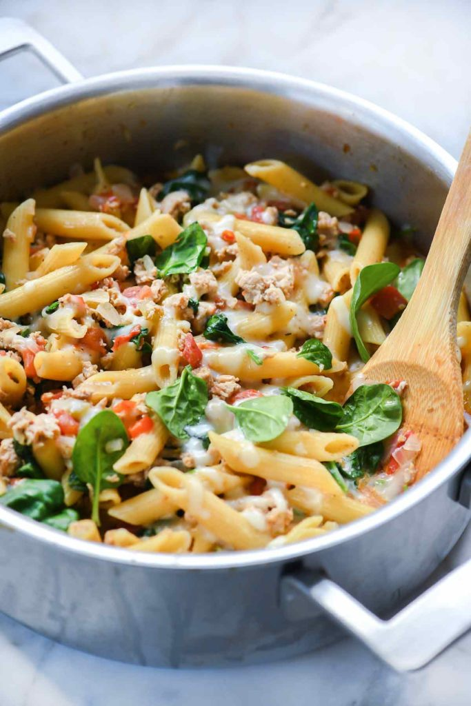One-Pot Penne Pasta with Turkey and Spinach | foodiecrush.com #recipes #pasta #penne #healthy #onepot #turkey
