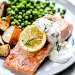 Recettes de saumon au four avec crème fraîche |  foodiecrush.com #recettes #salmon #healthy #baked #easy #dinner