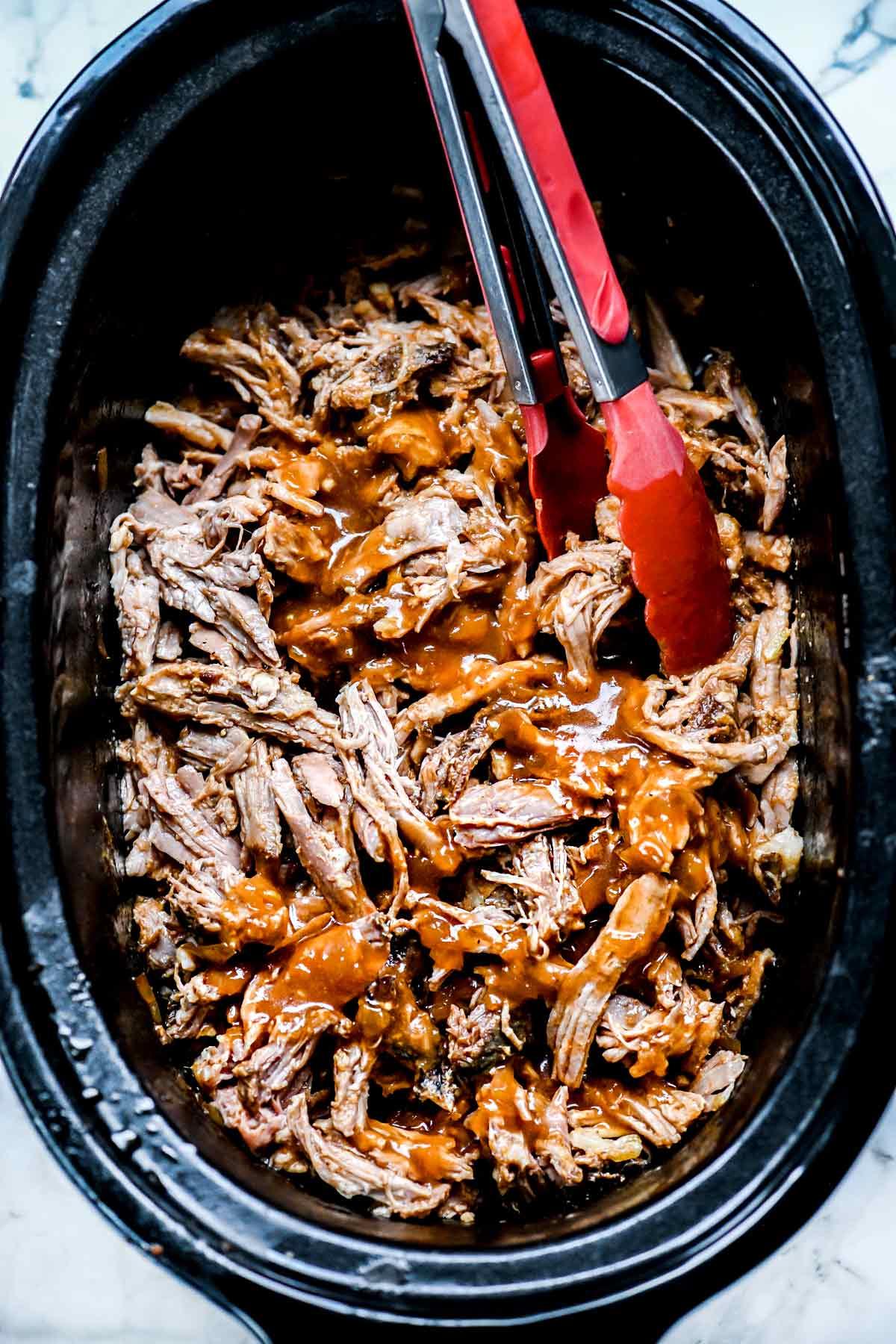 Easy pulled pork sandwiches crock pot