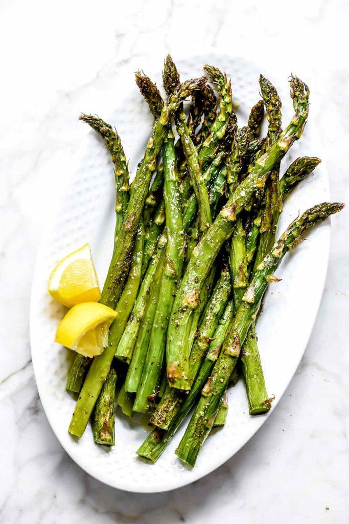 How to Roast Asparagus | foodiecrush.com #asparagus #side #recipe #healthy