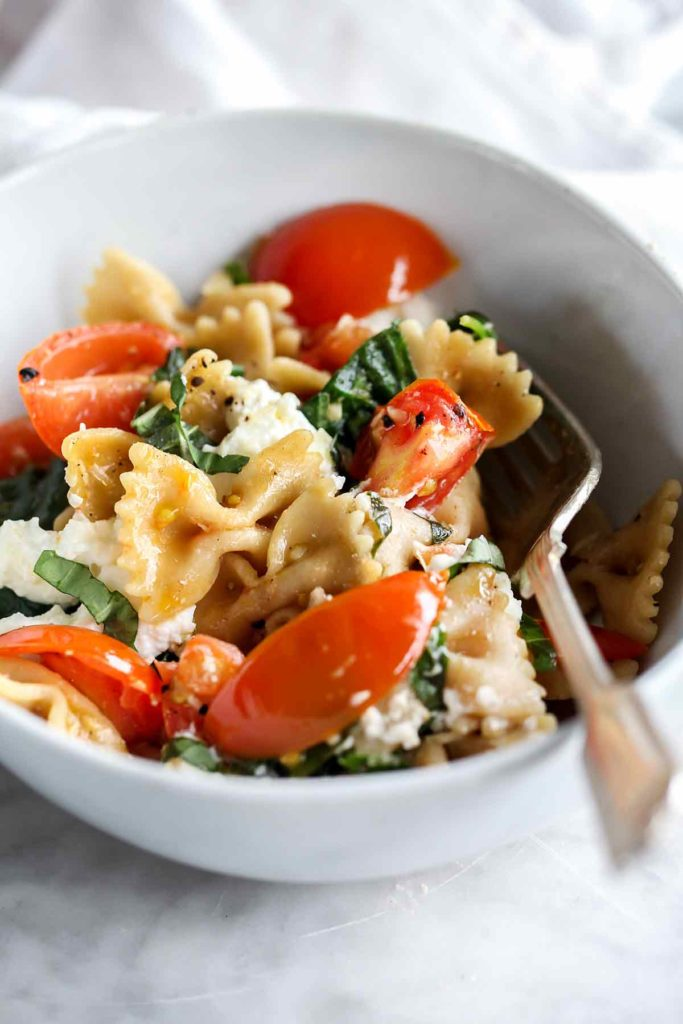 Pasta with Fresh Tomatoes and Ricotta | foodiecrush.com #pasta #wholewheat #recipes #dinner #healthy #tomatoes #ricotta