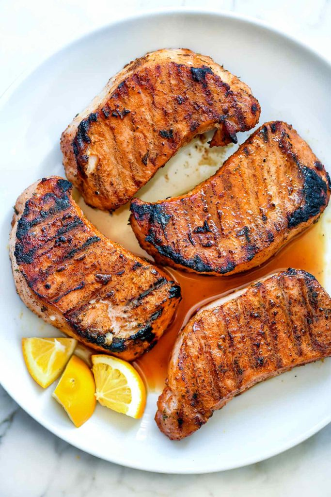 How to Make Grilled Pork Chops | foodiecrush.com #porkchops #recipes #grilled